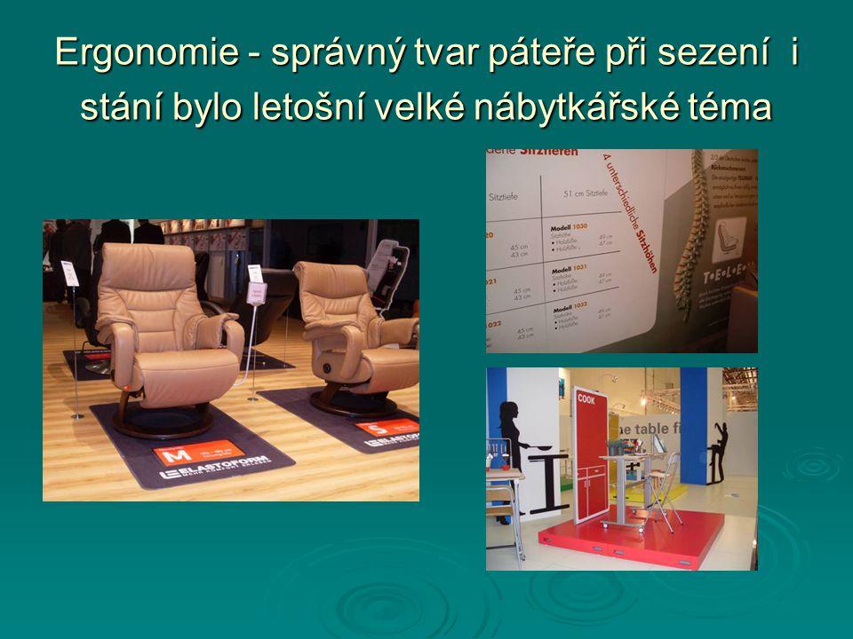 Volný pohyb na sedadle předpokládá, že nebude tvarovaným sedadlem vnucována poloha sedu tak, jak vidíme na některých českých pracovních židlích, které jako by se zhlédly v dřevěném modelu královského křesla – Mínojská kultura, Kréta cca před 4 tis.