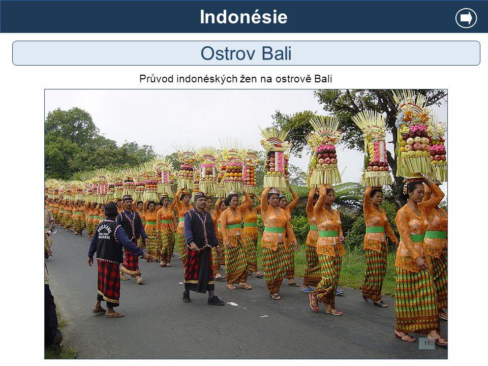 Indonésie Ostrov Bali Průvod indonéských žen na ostrově Bali 11