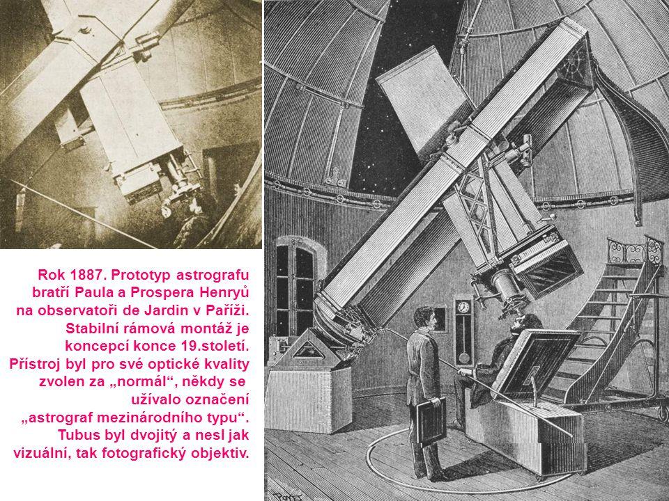 Rok 1887. Prototyp astrografu bratří Paula a Prospera Henryů na observatoři de Jardin v Paříži. Stabilní rámová montáž je koncepcí konce 19.století. P