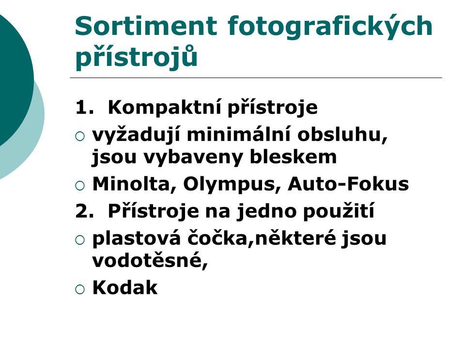 Sortiment fotografických přístrojů 1.