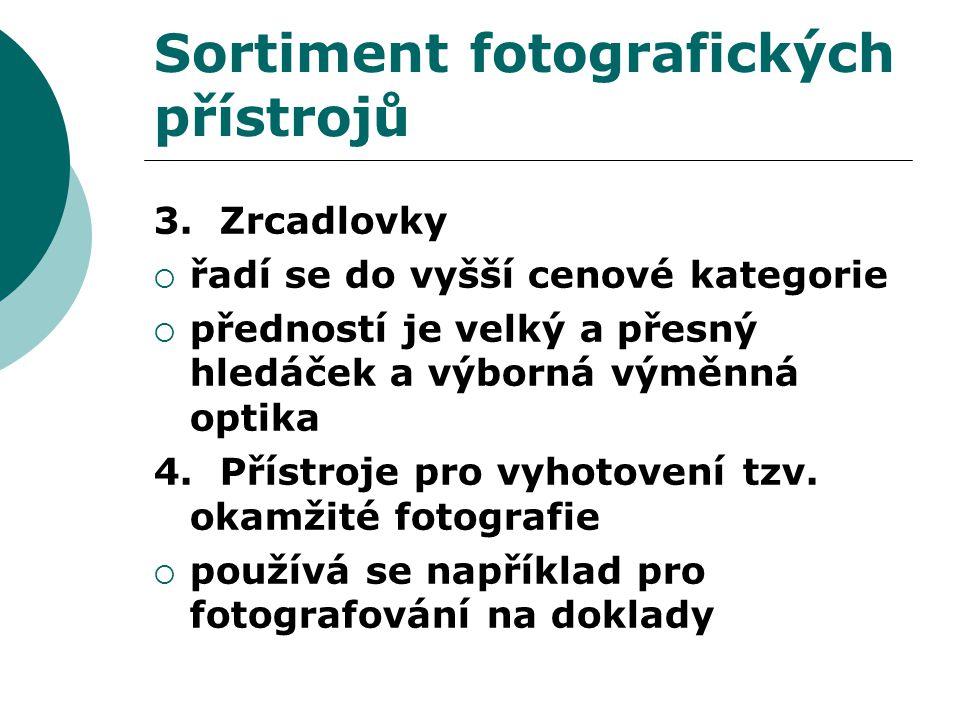 Sortiment fotografických přístrojů 3.