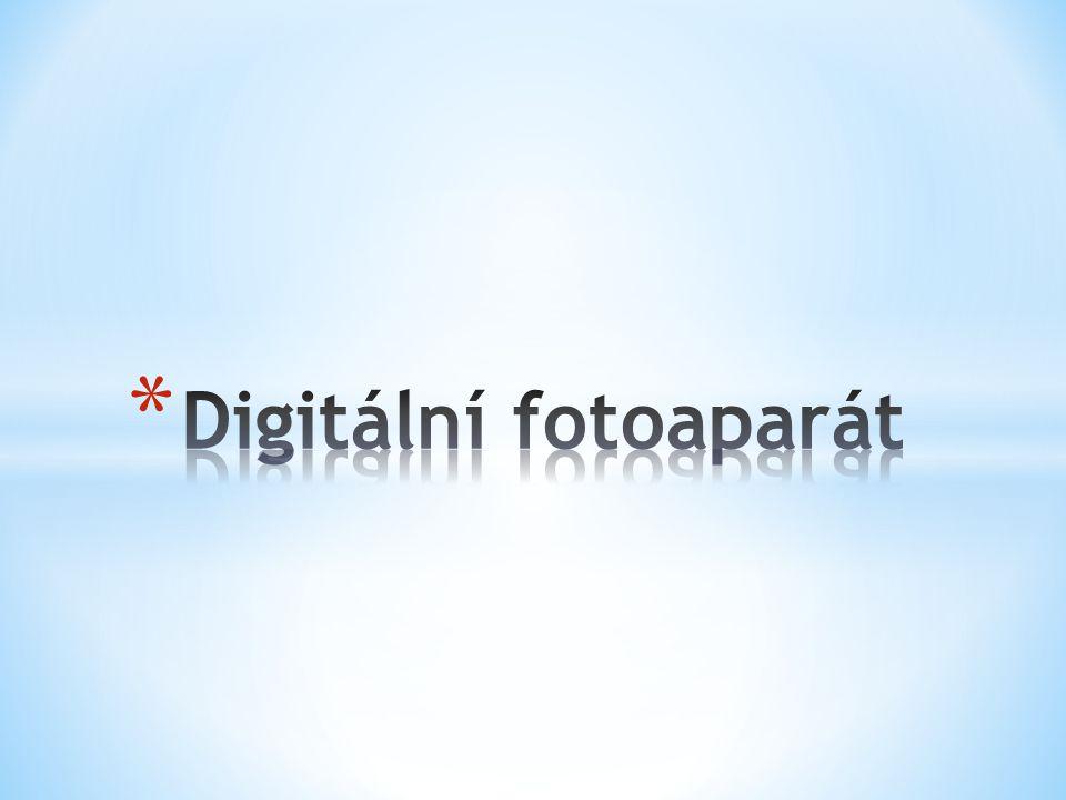* Zařízení, které umožňuje zachytit statické snímky a ty převést a zaznamenat v digitální formě.