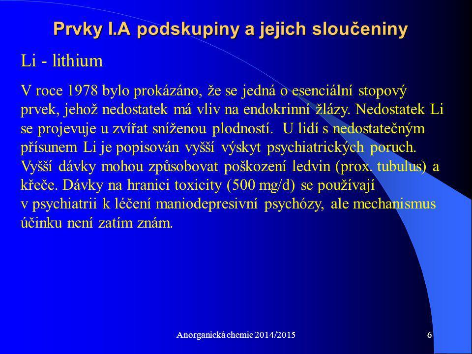 """Anorganická chemie 2014/20157 Prvky I.A podskupiny a jejich sloučeniny Na - sodík Hlavní extracelulární iont, neustále odstraňovaný z buněk pomocí """"sodíkové pumpy ."""