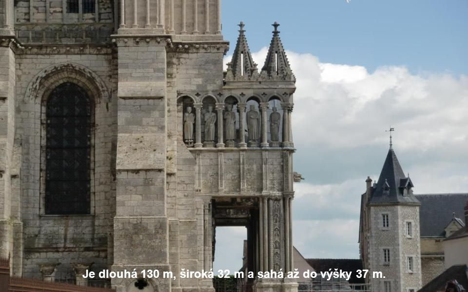 Tato velkolepá budova byla vysvěcena 24. října 1260.
