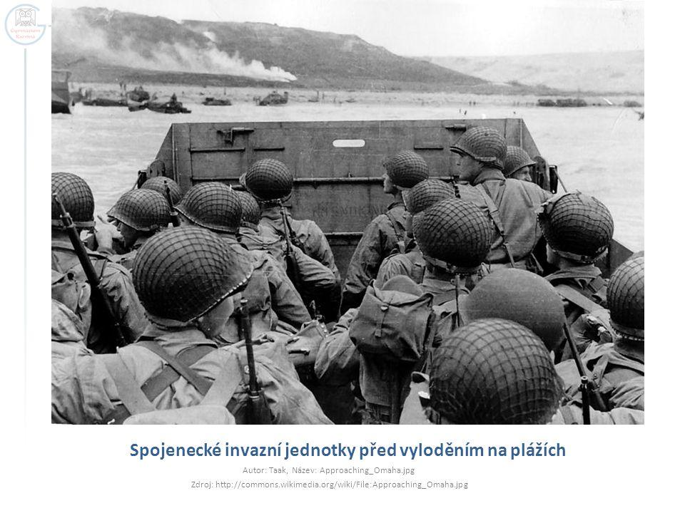 Spojenecké invazní jednotky před vyloděním na plážích Autor: Taak, Název: Approaching_Omaha.jpg Zdroj: http://commons.wikimedia.org/wiki/File:Approach