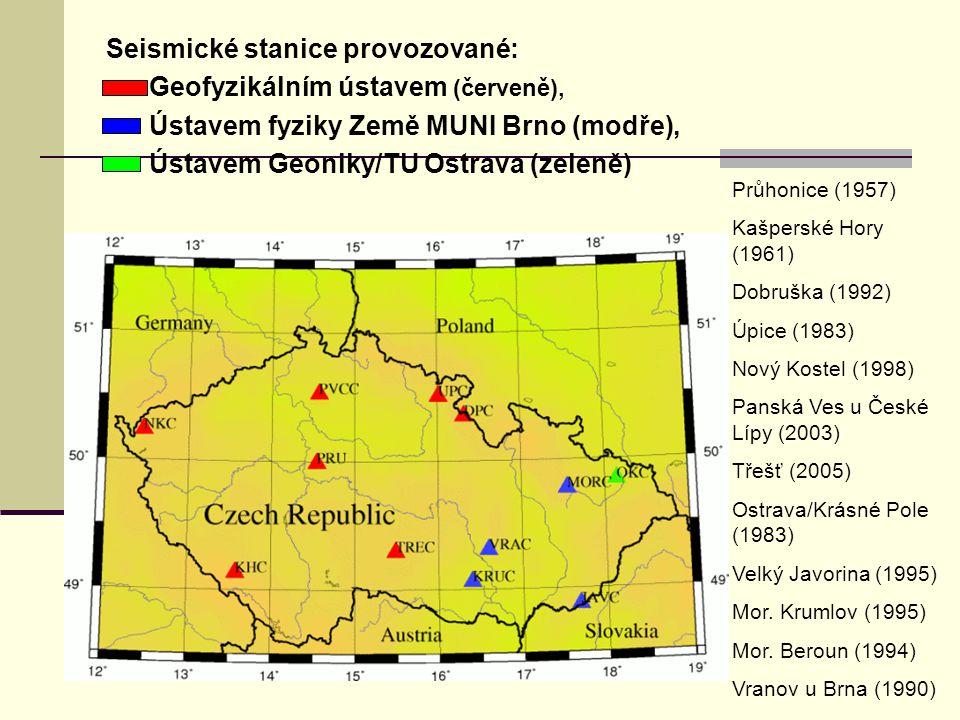 Seismické stanice provozované: Geofyzikálním ústavem (červeně), Ústavem fyziky Země MUNI Brno (modře), Ústavem Geoniky/TU Ostrava (zeleně) Průhonice (