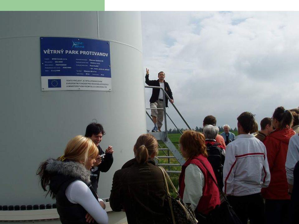 První vlaštovka pro školy Exkurze u větrné elektrárny - (2x1500 kW) Bioenergetické centrum Roštín – 3,7 MW Staveniště FV – elektrárny 1,5 MWp Tepelný