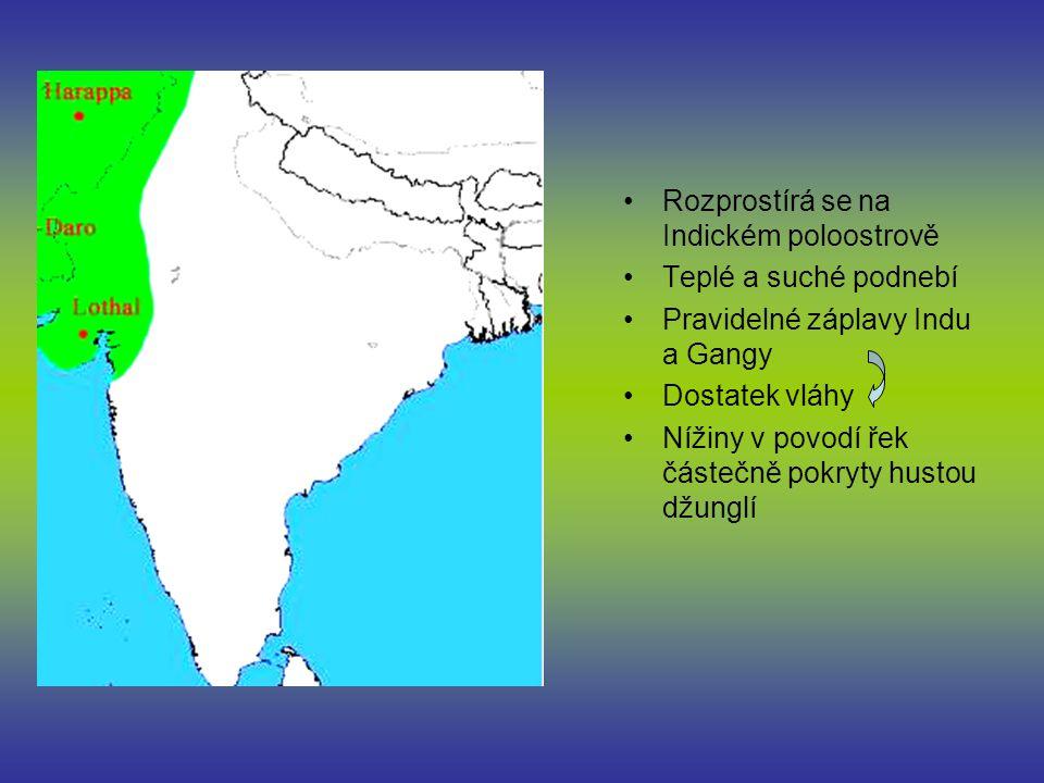 Rozprostírá se na Indickém poloostrově Teplé a suché podnebí Pravidelné záplavy Indu a Gangy Dostatek vláhy Nížiny v povodí řek částečně pokryty hustou džunglí