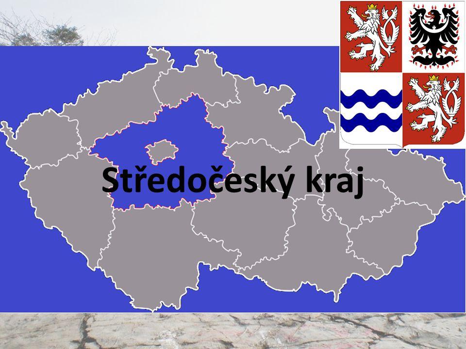 Povrch Úrodná nížina na severu při Labi Poberounská soustava a Středočeská pahorkatina na jihu Největších výšek dosahují střední Čechy v Brdech (obr.)