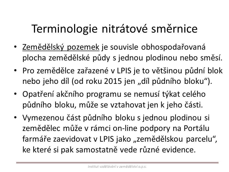 Změny v nitrátové směrnici od 01.07.2014 Období zákazu hnojení: – zjednodušení tabulky, – prodloužení období zákazu hnojení v předjarním období pro jarní plodiny, – dříve avizované prodloužení období zákazu hnojení na podzim pro hnojiva s rychle uvolnitelným dusíkem, stanovené od roku 2014, nebylo uplatněno.
