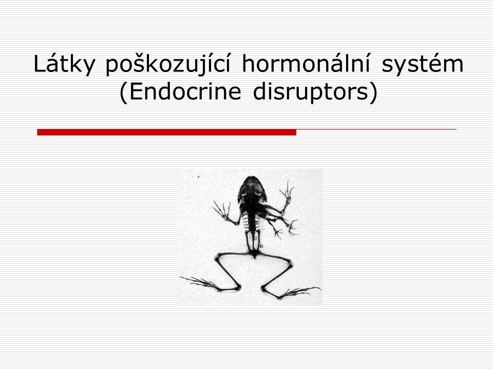 Hormony  Funkce endokrinního systému spočívá v převodu široké škály vnějších podnětů na chemické signály - hormony  Hormon po navázání na příslušný receptor vyvolá expresi genu a tvorbu odpovídajícího proteinu, případně aktivuje membránově vázaný enzym Typy hormonů  autokrinní – působí na buňku, která ho uvolnila  parakrinní – působí na nejbližší okolí buňky, která ho uvolnila  endokrinní – působí na vzdálené buňky Buňka uvolňující hormon Krevní řečiště Cílová buňka