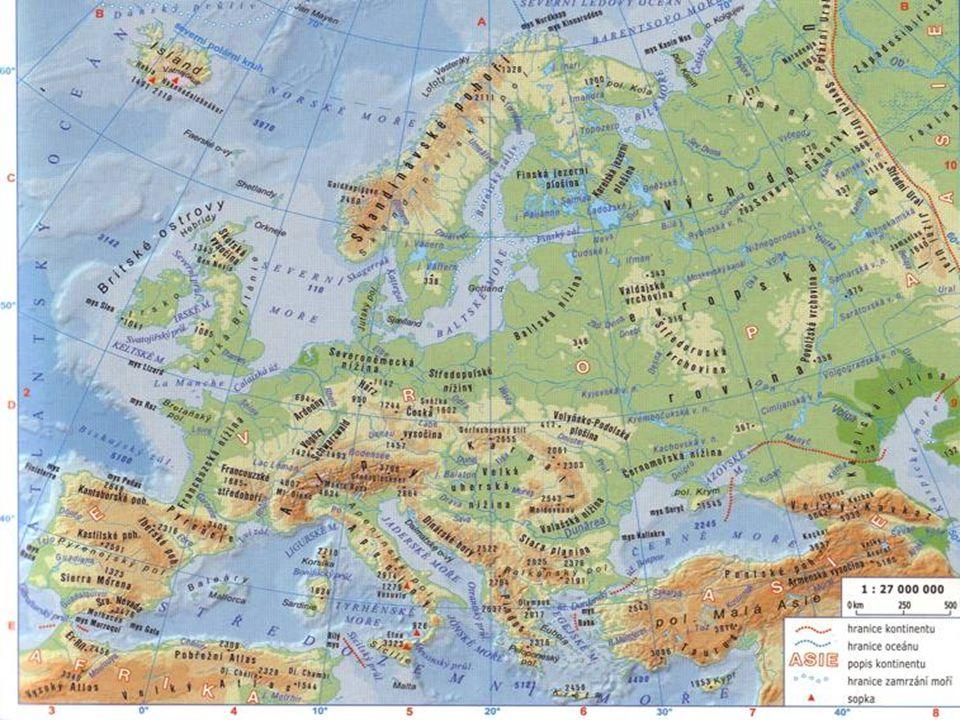 NÁRODY A JAZYKY - kolem 50 národů - většina obyvatel patří k indoevropské jazykové rodině - nejpočetnější jazyková skupina – - slovanská (slovanské jazyky), dále pak - germánská (germánské j.) a - románská (románské j.) - helénská větev (řečtina) - …