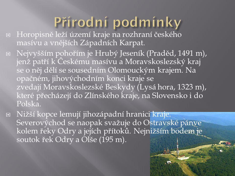 Horopisně leží území kraje na rozhraní českého masívu a vnějších Západních Karpat.  Nejvyšším pohořím je Hrubý Jeseník (Praděd, 1491 m), jenž patří