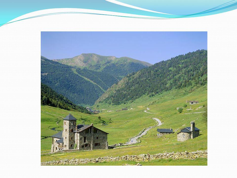 EKONOMIKA Ačkoliv Andorra není oficiálně členem Evropské unie, je součástí celní unie EU.