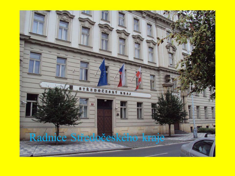Okresy Kraj je vymezen územím 12 okresů: Benešov, Beroun, Kladno, Kolín, Kutná Hora, Mělník, Mladá Boleslav, Nymburk, Praha-východ, Praha-západ, Příbram, Rakovník.