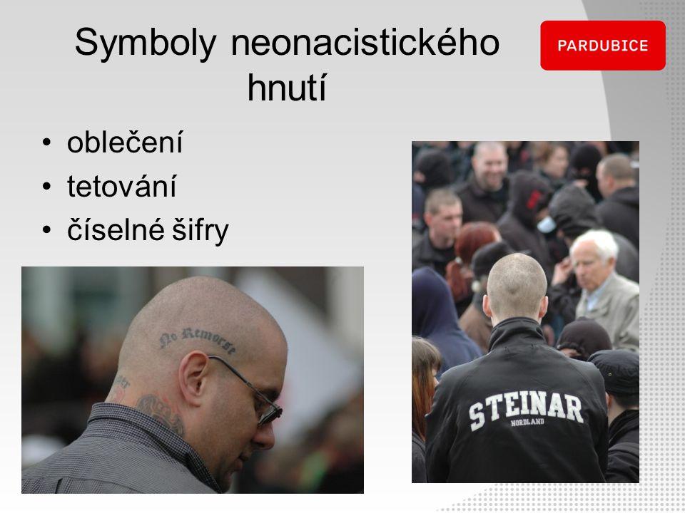 Symboly neonacistického hnutí oblečení tetování číselné šifry