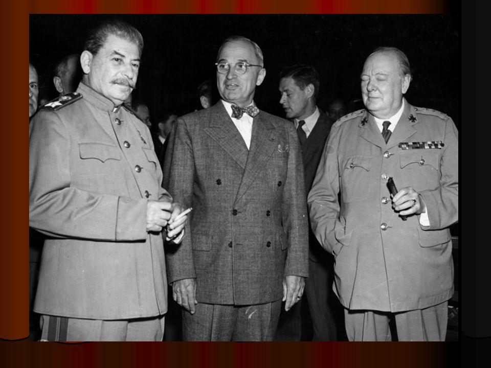 """""""Velká trojka : Josef Stalin za Sovětský svaz, Harry Truman za Spojené státy a Winston Churchill za Spojené království (který byl v průběhu konference nahrazen Clementem Attleem)."""