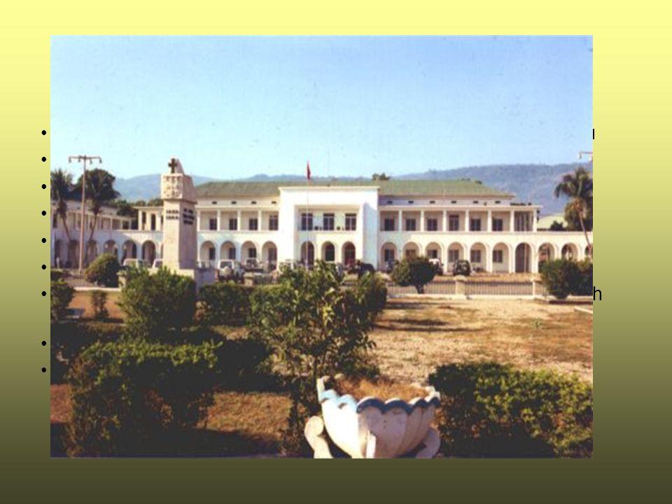 Politika Smluvený dlouhý název: Democratic Republic of Timor-Leste Smluvený krátky název: East Timor Státní zřízení: republika Správní členění: 13 regionů (Aileu, Ainaro, Baucau, Bobonaro (Maliana), Cova-Lima (Suai), Dili, Ermera, Lautem (Los Palos), Liquica, Manatuto, Manufahi (Same), Oecussi (Ambeno), Viqueque) Prezident: Kay Rala Xanana GUSMAO Předseda vlády: Jose RAMOS-HORTA Členství: OSN Nezávislost: 28.11.