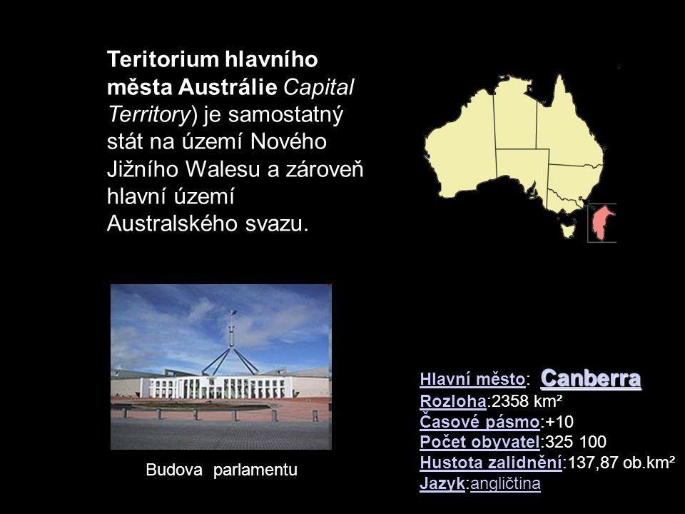 Jim Jim Falls - Kakadu NP - Northern Territory je snad nejznám ě jší, 200 metr ů vysoký vodopád Severního Teritoria je snad nejznám ě jší, 200 metr ů vysoký vodopád Severního Teritoria