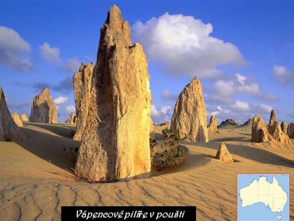 Vápencové pilí ř e v poušti
