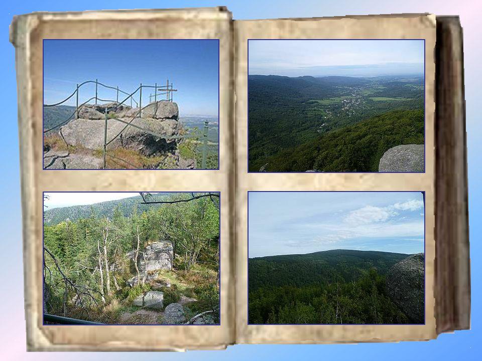 Paličník 944 m Paličník je vrcholové skalisko nad Bílým Potokem pod Smrkem.
