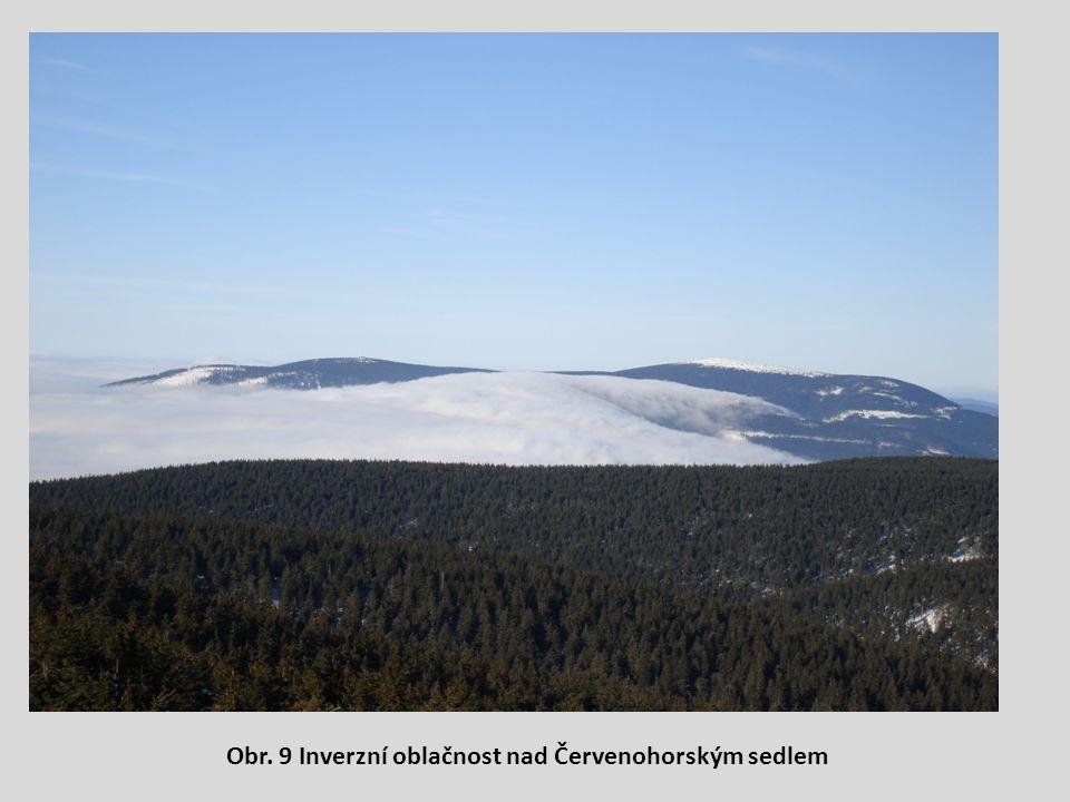 Obr. 9 Inverzní oblačnost nad Červenohorským sedlem