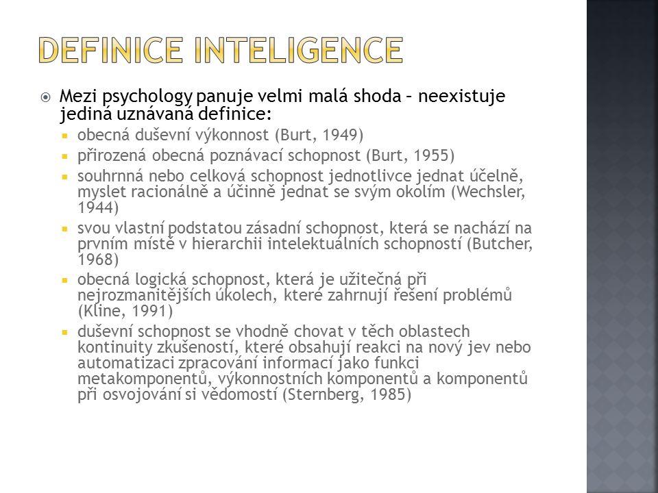  Galton hledal přesnější měřítko, než biografické údaje  hlavní myšlenkovou tradicí byl v Anglii asocianismus, který předpokládal, že kvalita úsudku souvisí s kvalitou přijatých vjemů  v psychologii dominovala psychofyzika  Galtonův test inteligence měřil ostrost smyslů a podobné vlastnosti (Na Mezinárodní zdravotnické výstavě v Londýně v r.