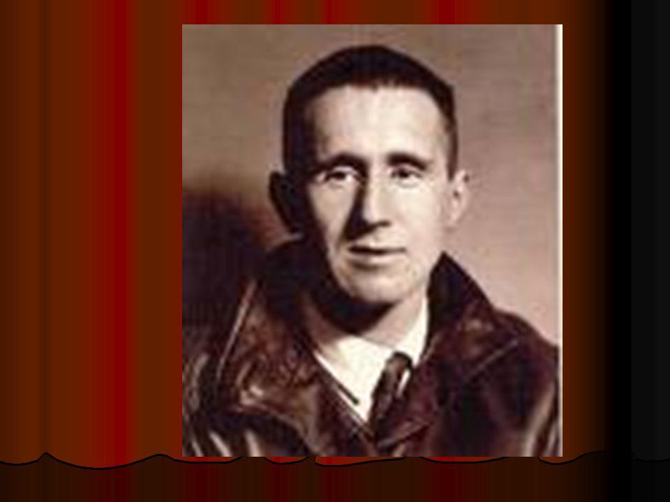 Narozen 10.února 1898 v Augšpurku První básně v 15, první hra ve 20.