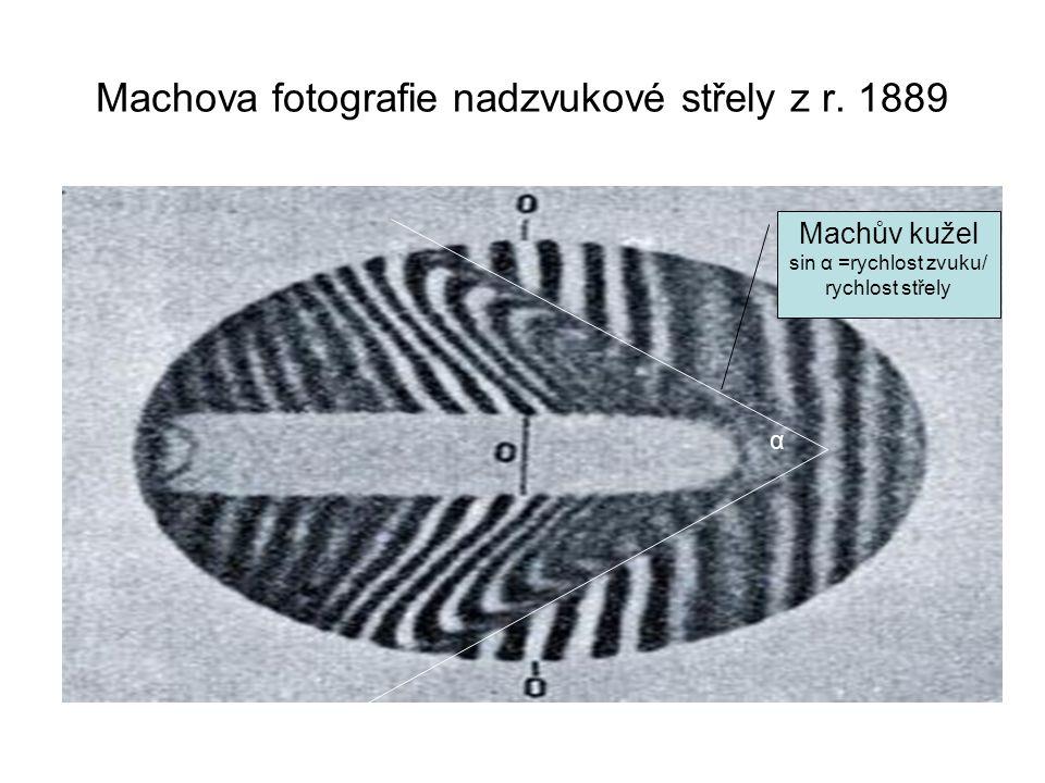 Machova fotografie nadzvukové střely z r.