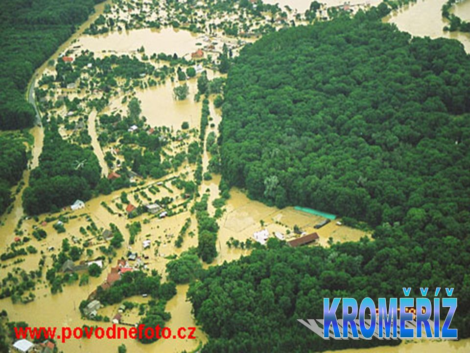  Povodně v červenci 1997, které zasáhly 1/3 našeho území, zavinily smrt 49 lidí. Postiženo bylo 536 obcí, 29 000 domů bylo zatopeno nebo strhnuto