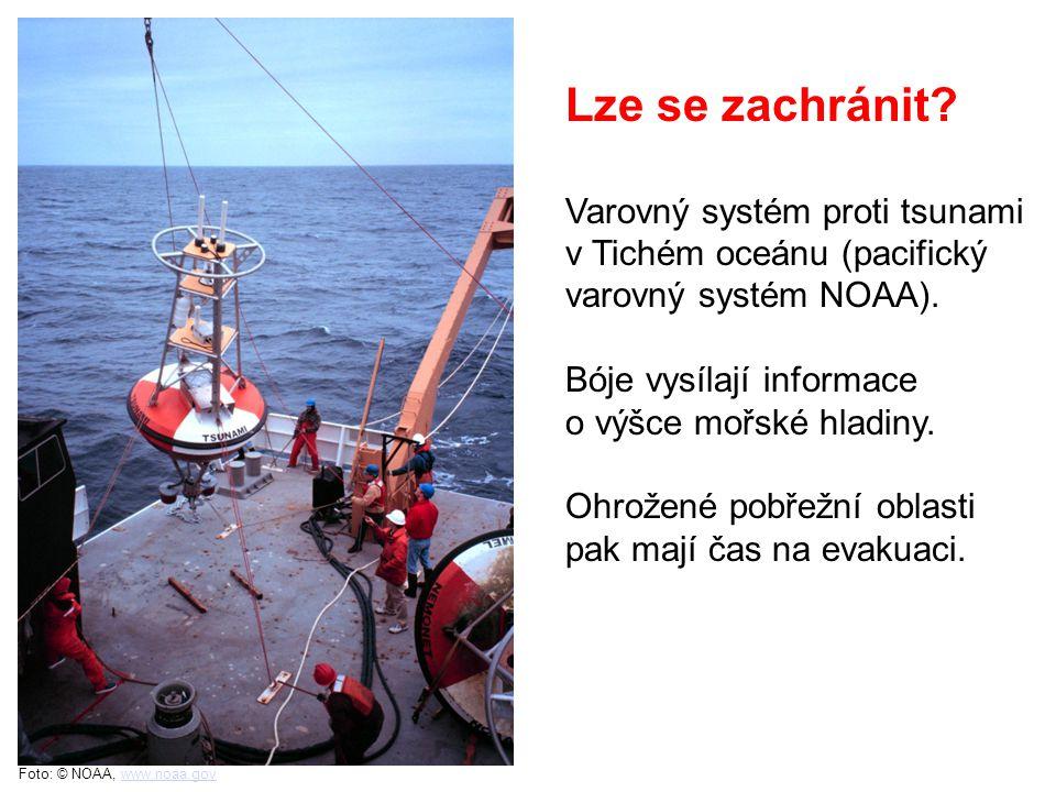 Foto: © NOAA, www.noaa.govwww.noaa.gov Varovný systém proti tsunami v Tichém oceánu (pacifický varovný systém NOAA).