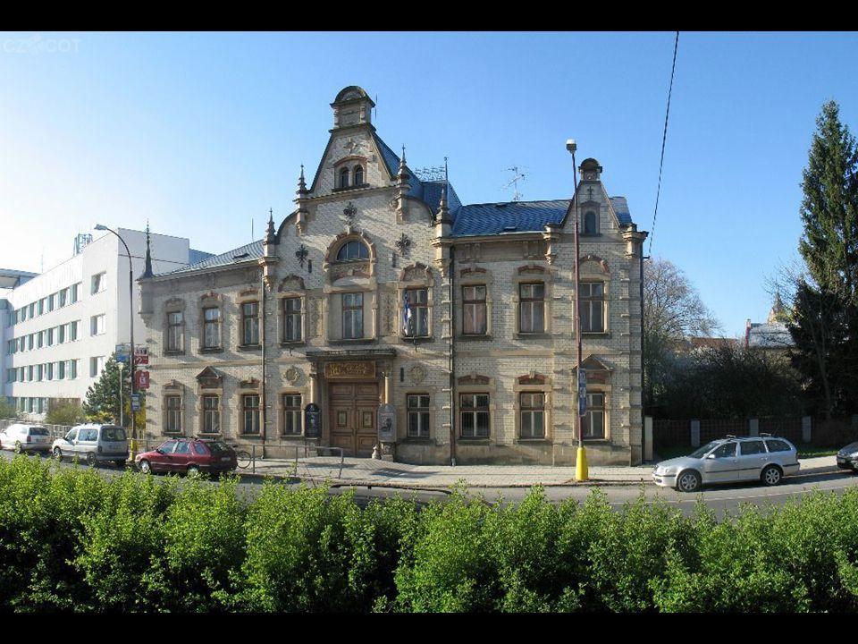 Městské muzeum a galerie Budova postavená v r. 1892 jako rodinné sídlo starosty města Johana Budiga, od r. 1947 zde sídlí muzeum. V sedmdesátých letec