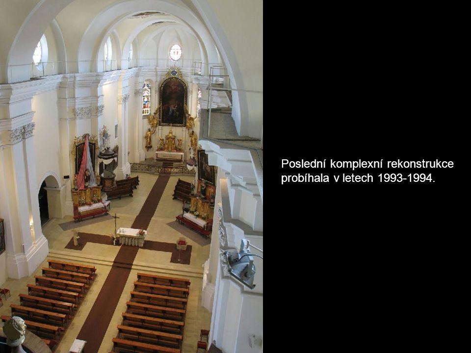 Kostel Navštívení Panny Marie Původně gotický kostel vznikl kolem roku 1250. Po velkém požáru v roce 1781 vtiskla přestavba kostelu dnešní barokní pod