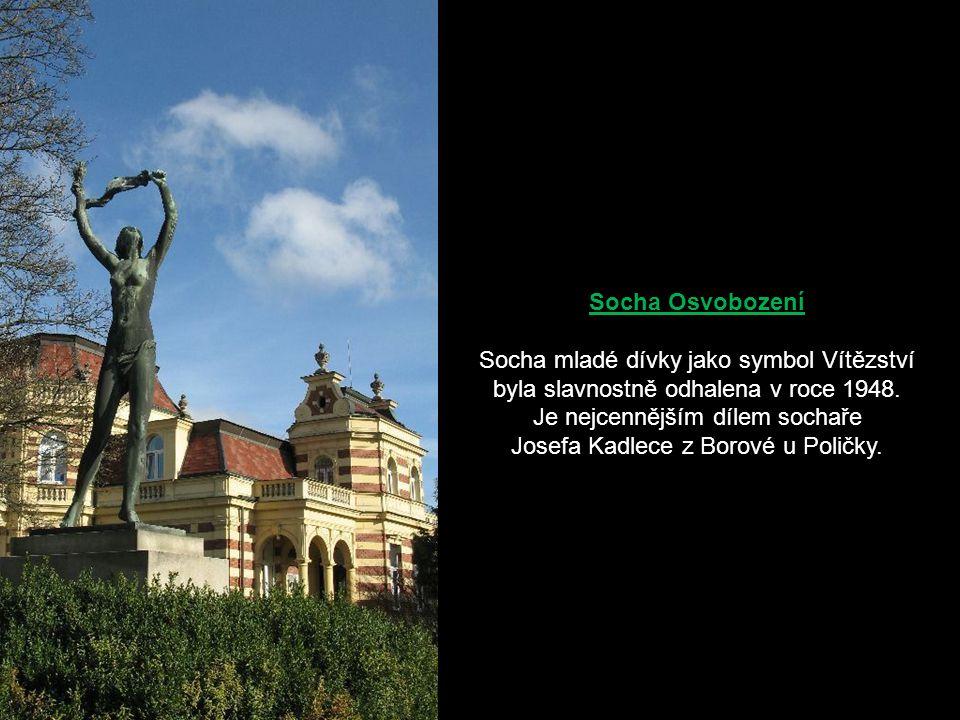 Socha Osvobození Socha mladé dívky jako symbol Vítězství byla slavnostně odhalena v roce 1948.