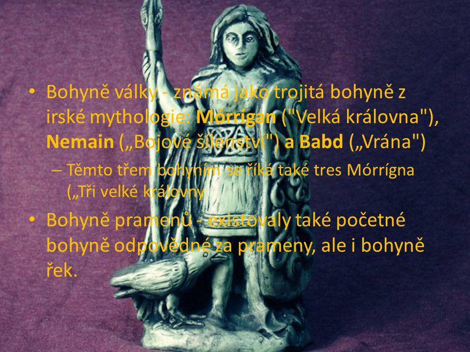 Bohyně války - známá jako trojitá bohyně z irské mythologie: Mórrígan (