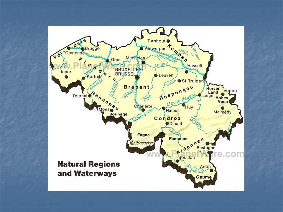 federativní konstituční monarchie tři oficiální jazyky: nizozemština, francouzština a němčina Povrch lze rozdělit na pobřežní nížiny, rovinu (plató) v centrální části Belgie, a na hornaté Ardenny na jihovýchodě země Nejvyšší bod:Signal de Botrange (694 m n.