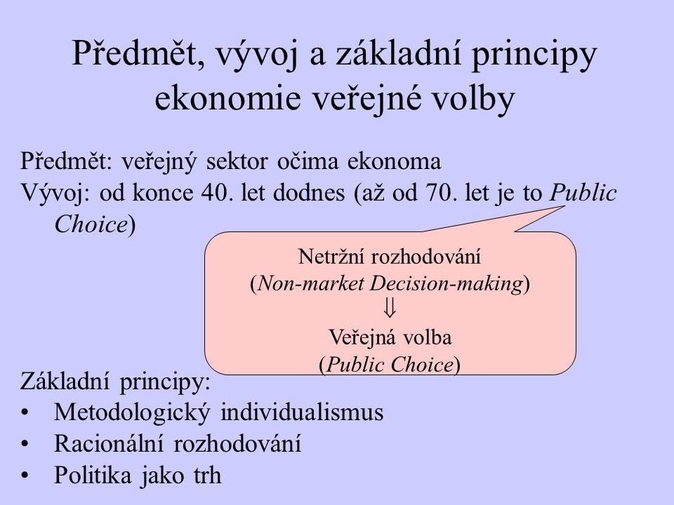 """a """"On the Rationale of Collective Decision Making (JPE, 1948) Theory of Committees and Elections (1958) Duncan Black (1908-1991) Kenneth Arrow (*1921) Social Choice and Individual Values (1951) –existence hlasovacích cyklů (""""Condorcetův Paradox )  Arrowův teorém nemožnosti  neexistuje takové pravidlo, dle něhož by bylo možno pomocí hlasování odvodit společenské pořadí preferencí ze individuálních (není """"funkce společenské volby  není """"politické rovnováha )  zpochybněno fungování demokracie Nobel 1972 teorém mediánového voliče Harold Hotelling: """"Stability in Competition (EJ, 1929)"""