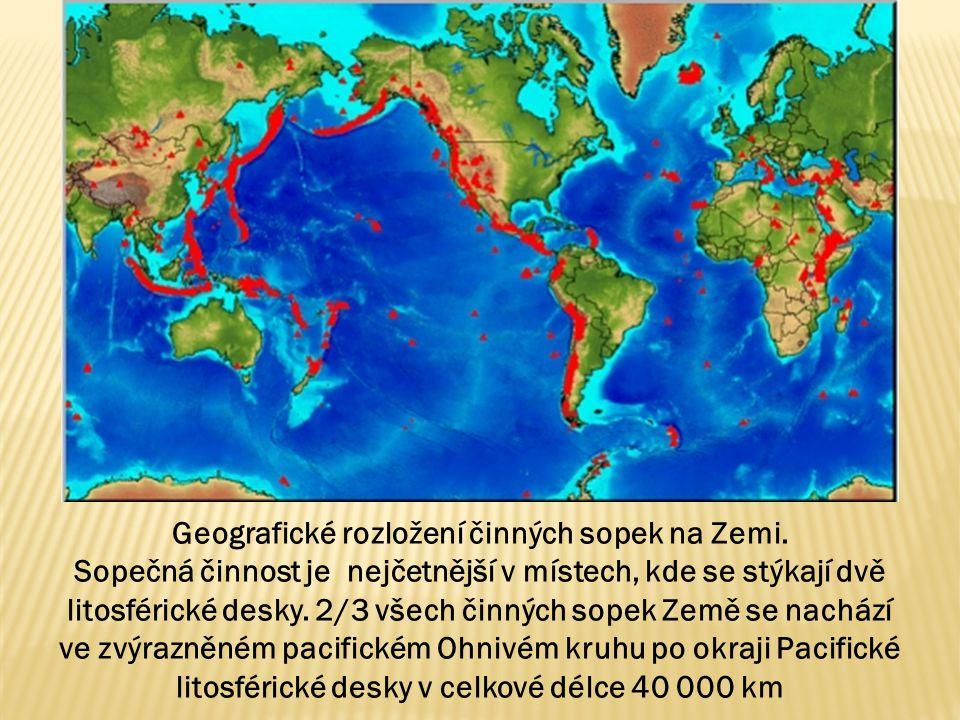 Geografické rozložení činných sopek na Zemi. Sopečná činnost je nejčetnější v místech, kde se stýkají dvě litosférické desky. 2/3 všech činných sopek