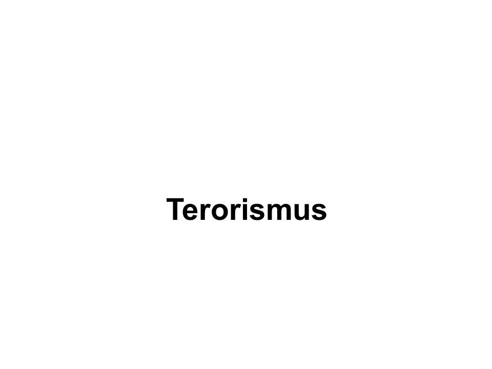 Typy teroristických útoků v letectví Únos letadla Destrukce letadla za letu pomocí nástražného výbušného systému (NVS) Útok na cestující v terminálu letiště (pomocí střelné zbraně, CBRNE) Střelba ze země na letadlo za letu (raketou země- vzduch, velkorážovou puškou) Útok na technické zařízení a klíčové body letiště (rozvody el.