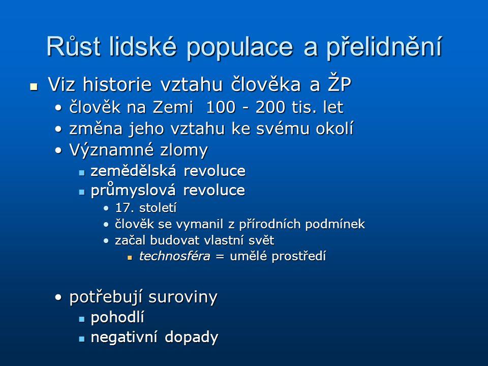 V České republice se vyskytuje přibližně 200 druhů dřevin, zatímco na Madagaskaru je jich přibližně 2000.