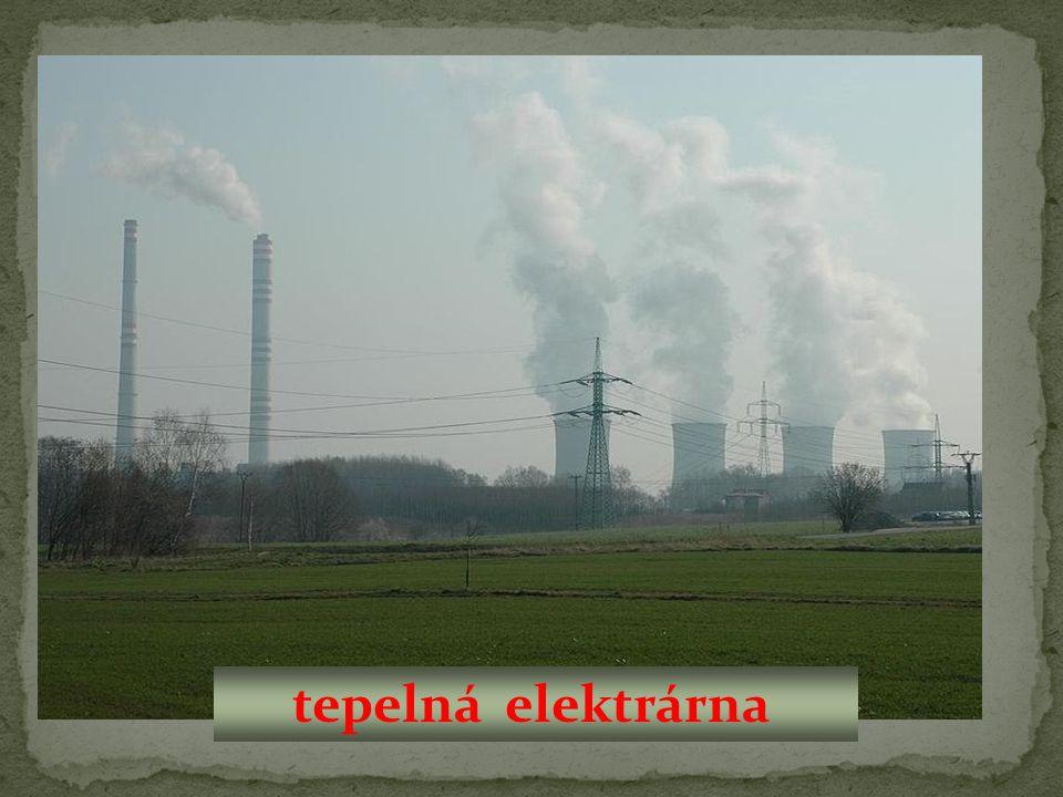 Tepelné elektrárny spalují: Jaderné elektrárny využívají energii v jádrech Vodní elektrárny přeměňují energii Větrné elektrárny přeměňují enrgii plyn atomu uranu vody z přehrad větru