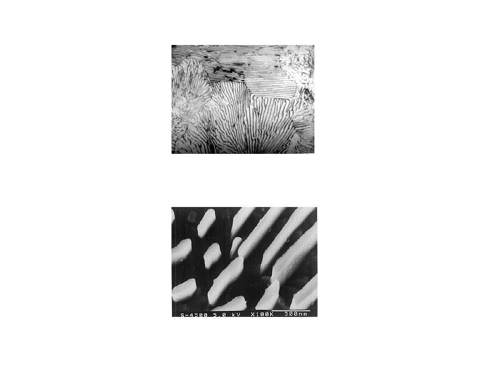 Bainitická přeměna Vznik směsi laťkového feritu a disperzního deskovitého karbidu železa (SEM, TEM).