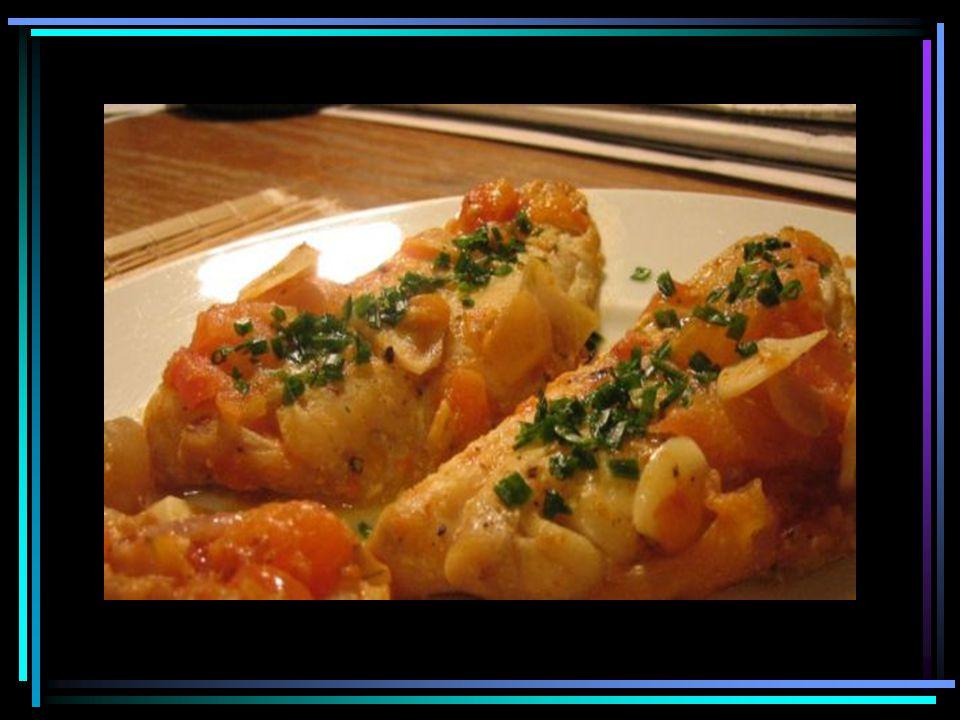 Mnami a vynikající bramborový salát Brambory omyjte, uvařte ve slupce a nechejte vychladnout.