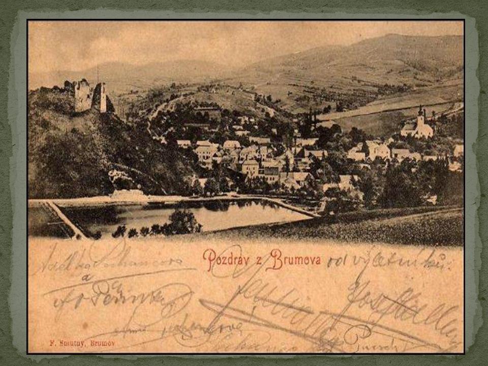 První písemná zmínka o Brumově je z roku 1255 a v tomto období se jednalo o podhradní osadu hradu Brumov.