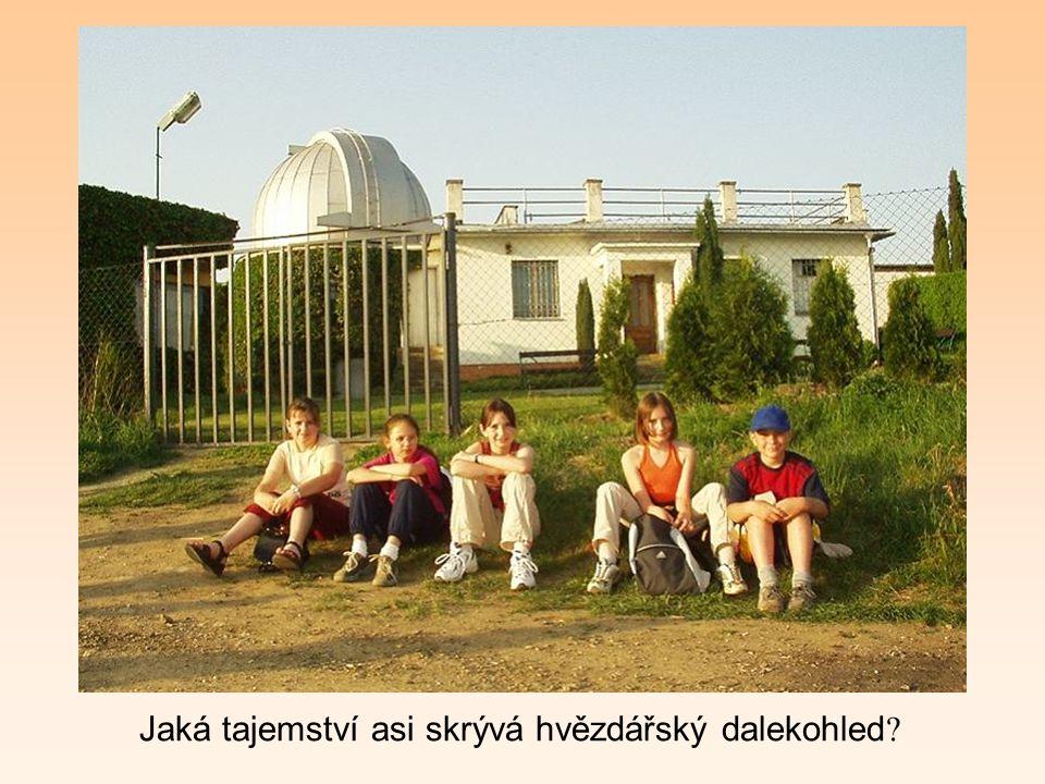 Vzpomínky na některé akce Viděli jste Jupiter a Saturn? Na jaře jsme navštívili hvězdárnu v Uherském Brodě. Vedoucí, ing. R. Rajchl nám zajímavým vypr