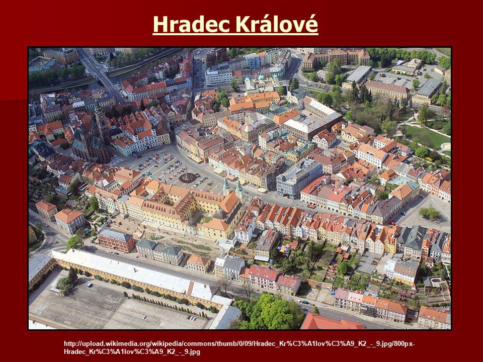 Hradec Králové http://upload.wikimedia.org/wikipedia/commons/thumb/0/09/Hradec_Kr%C3%A1lov%C3%A9_K2_-_9.jpg/800px- Hradec_Kr%C3%A1lov%C3%A9_K2_-_9.jpg