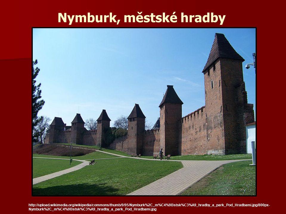 Nymburk, městské hradby http://upload.wikimedia.org/wikipedia/commons/thumb/9/95/Nymburk%2C_m%C4%9Bstsk%C3%A9_hradby_a_park_Pod_Hradbami.jpg/800px- Ny