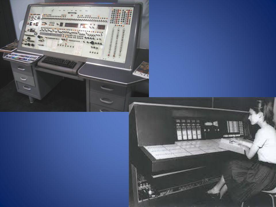 3.Generace (1965-1980)  Založena na integrovaných obvodech  Rychlost – desetiticíce operací za sekundu  Velkost do 5ti skříní  Roste výkon a to umožňuje práci více uživatelů najednou a mohou souběžně pracovat na více úlohách  Zavádí se pojem proces – označuje prováděný program a zahrnuje i dynamicky měnící se data  Cray – r.1976 nejvýkonější počítače na světě (Cray-1)  Úspěšný  1995 firma zkrachovala  Nejznámější počítač 3.