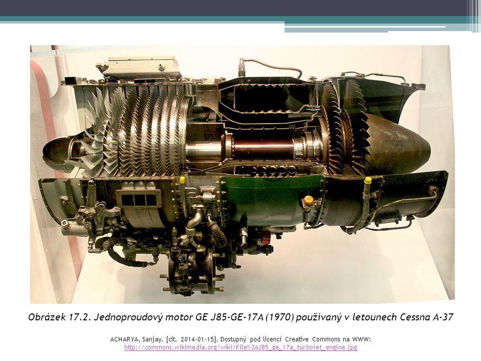Obrázek 17.11.Raketa Sojuz – raketové motory INGALLS, Bill.