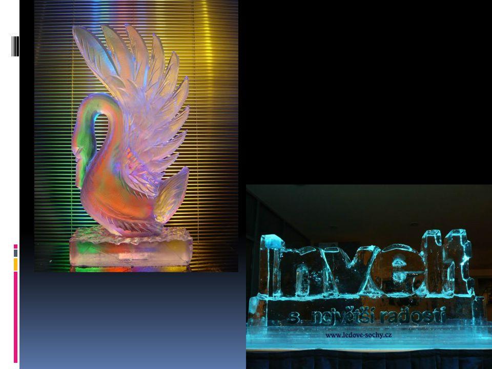 Hra na skleničky  Velkým uměním, co se vody týče, je také tzv…Hra na skleničky.